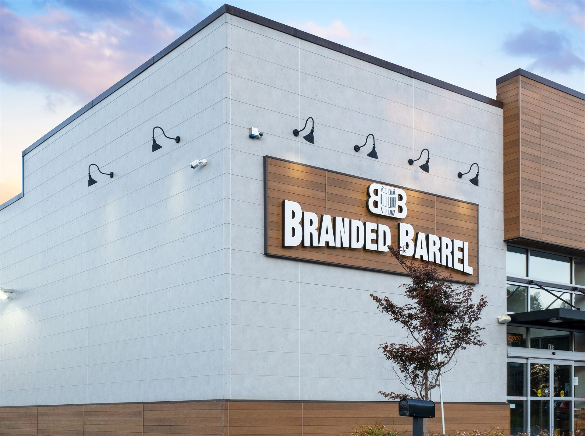 Branded Barrel entrance with VintageWood and EmpireBlock
